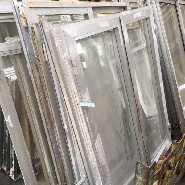 Ventanas de madera de segunda mano excellent ventanas for Ventanas de aluminio de segunda mano